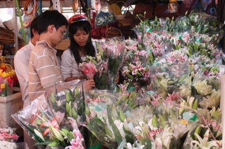 Hoa tươi tăng giá mạnh - 1