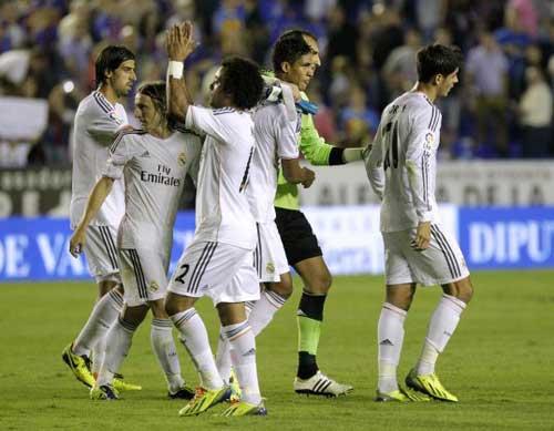 Real – Malaga: Không có đường lui - 1