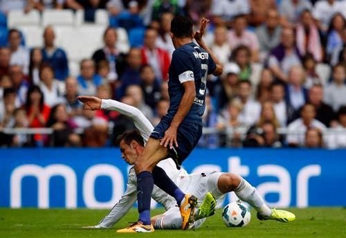 Trước El Clasico: Hãy để Bale về hậu vệ - 1