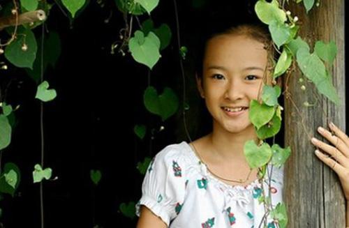 """Angela Phương Trinh: Đứa trẻ """"hư"""" của Vbiz - 1"""