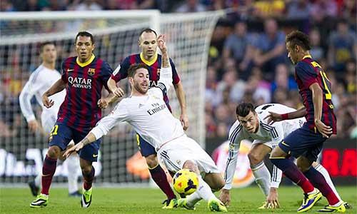 Sau V10 La Liga: Barca, Atletico tăng tốc - 1