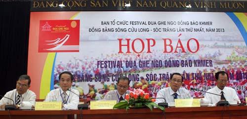 Hấp dẫn Festival đua ghe ngo người Khmer - 1