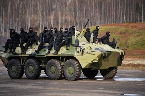 Xem biệt kích Nga trình diễn kỹ năng chiến đấu - 1