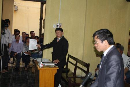 Xét xử vụ ông Vươn kiện UBND huyện Tiên Lãng - 1