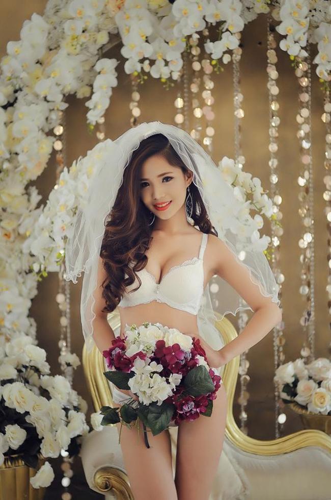 Thủy Tiên làm một nữ DJ xinh đẹp Hà Thành.