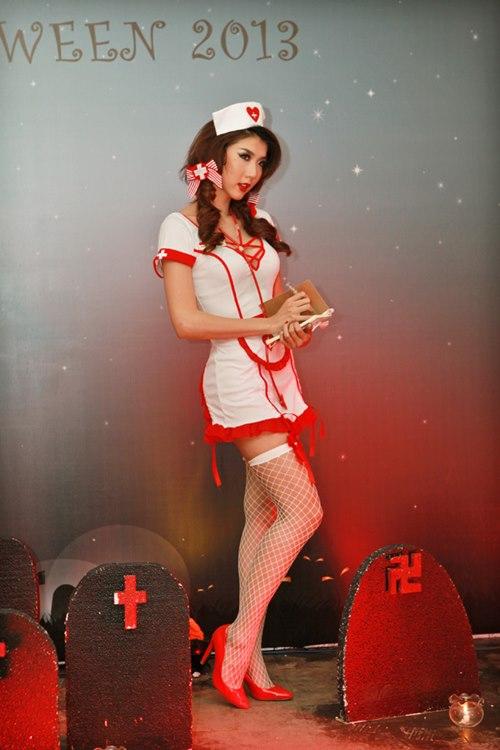 Ngọc Quyên hóa nữ y tá sexy - 1