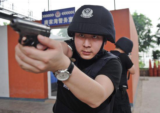 TQ: Cảnh sát say rượu vô cớ bắn chết thai phụ - 1