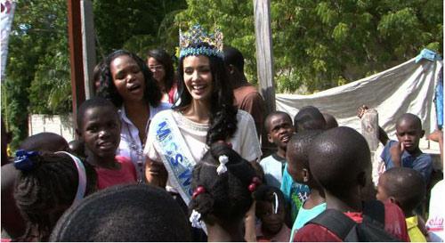 Hoa hậu Thế giới bất ngờ gặp nạn ở Haiti - 1
