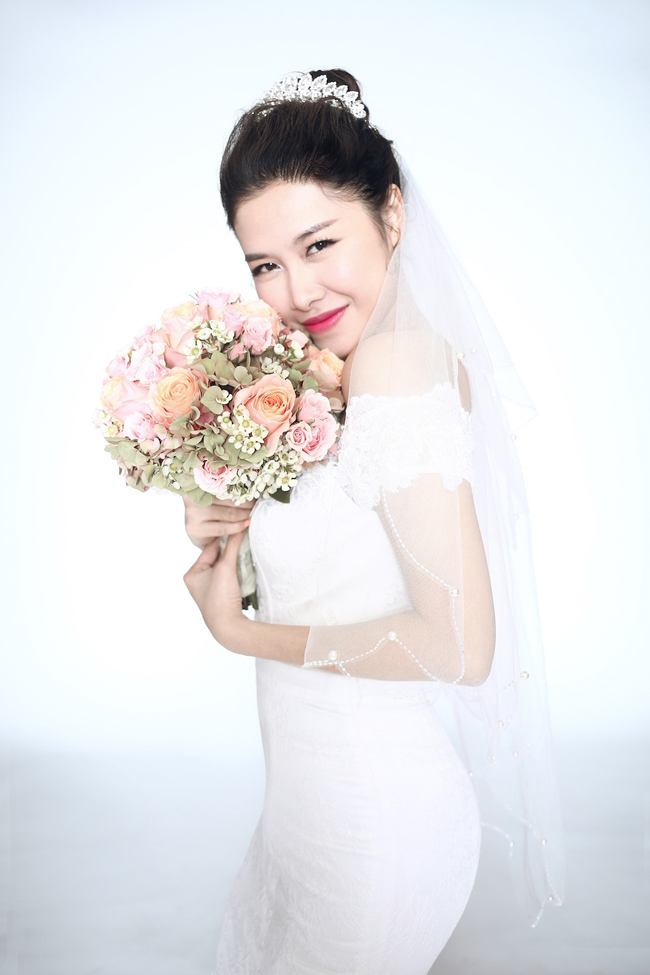 Chính vì vậy, Đăng Khôi muốn một lễ cưới vô cùng long trọng, hoành tráng để bù đắp cho những thiệt thòi của bạn gái. Hôn lễ chính thức của cả hai sẽ được diễn ra tại Hà Nộivào ngày 13/11.
