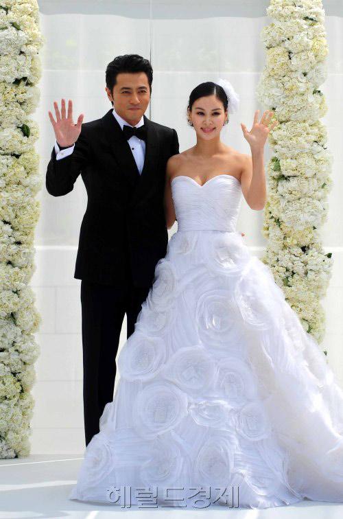 42 tuổi, vợ Jang Dong Gun mang bầu lần 2 - 1