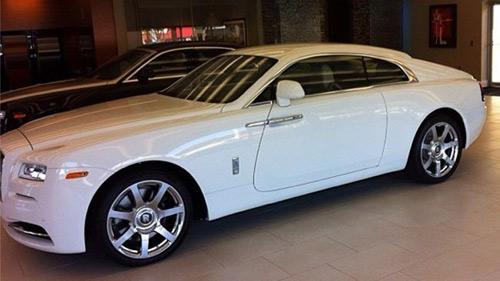 Võ sĩ triệu phú khoe Rolls-Royce Wraith mới - 1