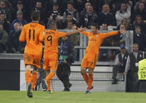 Liga trước V13: Duy trì thế chân vạc - 1