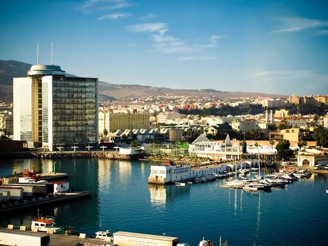 Melilla là một thành phố tự trị Tây Ban Nha nằm ở phía bắc châu Phi, trên bờ biển Địa Trung Hải. Trung tâm thành phố ban đầu là một pháo đài được xây dựng trên một ngọn đồi cao khoảng 30 m.
