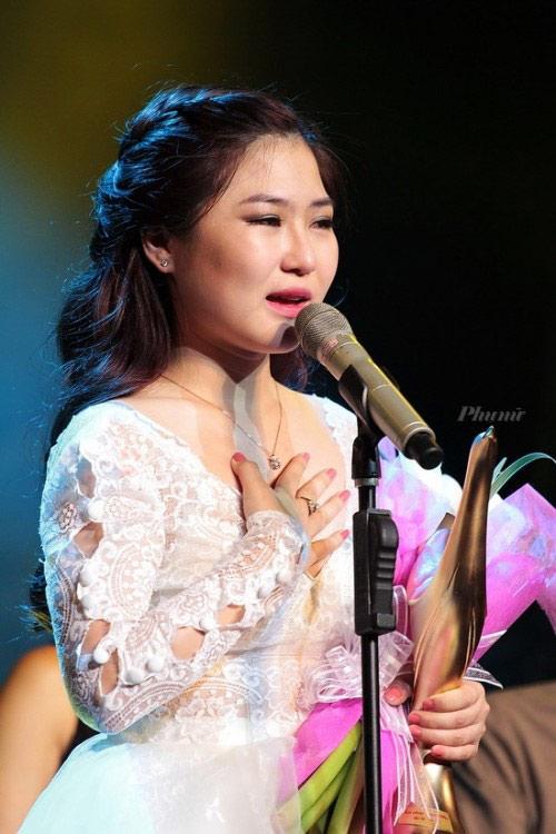 """Hương Tràm: """"Gà Tây mắc tóc"""" - 1"""