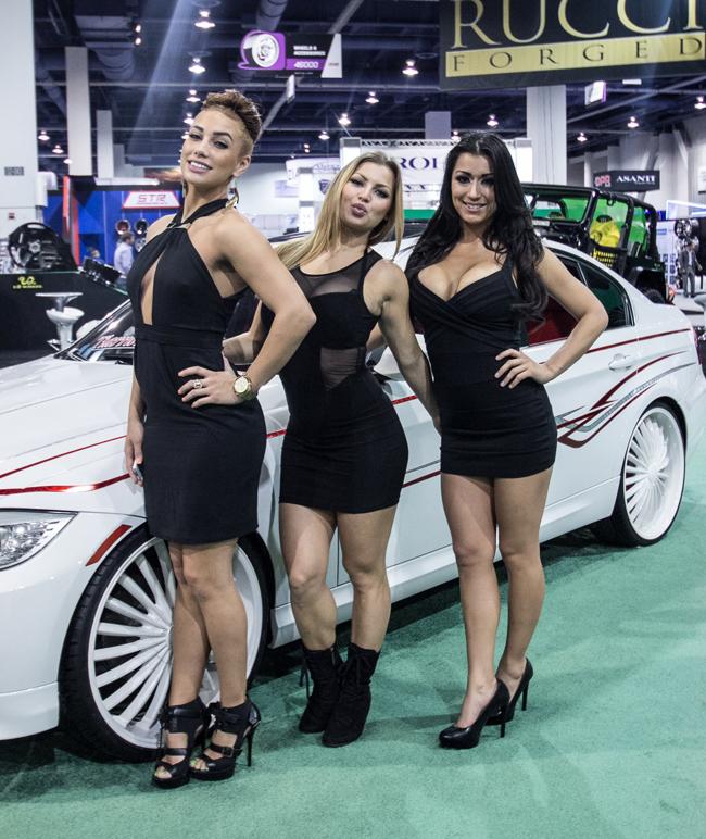 Không cần quá sexy và hở hang, nhưng những chân dài xuất hiện tại triển lãm xe độ nổi tiếng SEMA 2013 vừa diễn ra ở Mỹ chính là một điểm nhấn đáng chú ý.