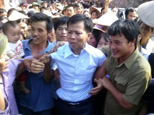 Bắc Giang bác tin ngăn ông Chấn tiếp xúc báo chí - 1