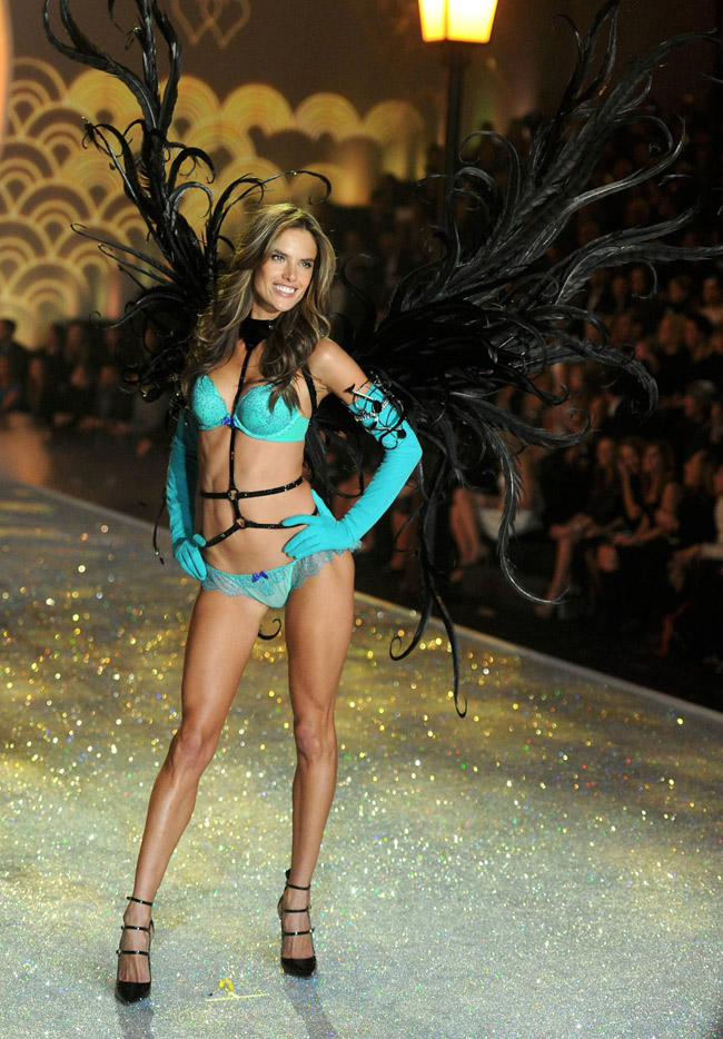 Các siêu mẫu của thương hiệu nội y Victoria's Secret (VS) ai nấy đều xinh đẹp vô ngần.