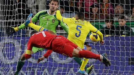 """Nike thưởng cho Ronaldo """"một cục tiền"""" - 1"""