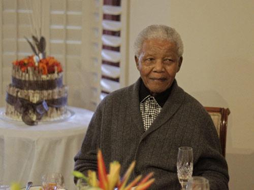 Nam Phi: Nelson Mandela bị cấm khẩu - 1