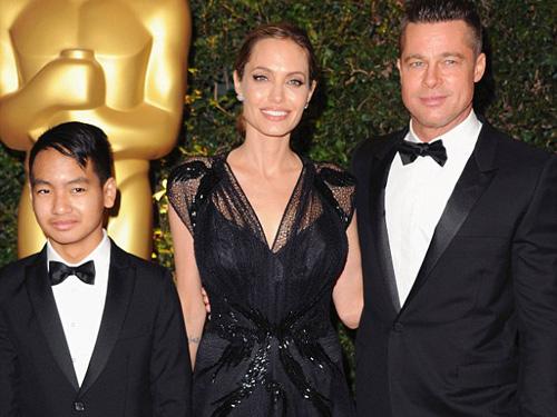 Angelina Jolie nhận giải Oscar nhân đạo - 1