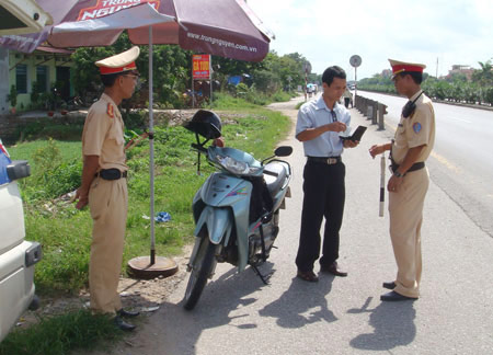 Giảm nhiều mức phạt vi phạm giao thông - 1