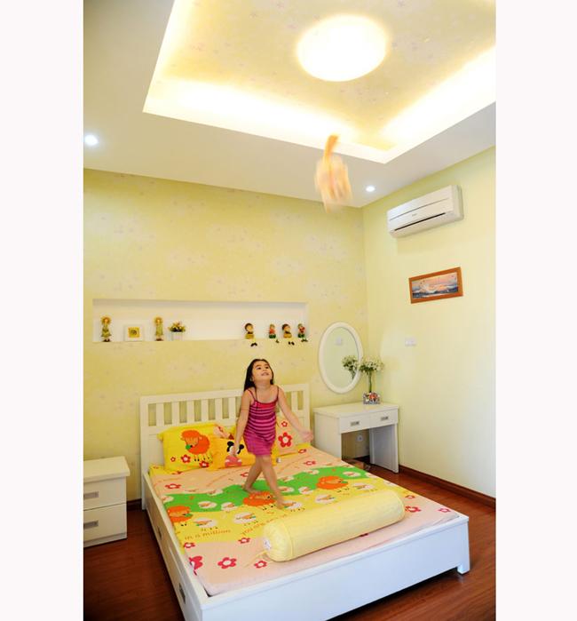Phòng ngủ của bé Hạt Dẻ