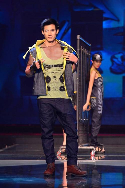 Fashion Star: Áo mỏng gây rắc rối - 1