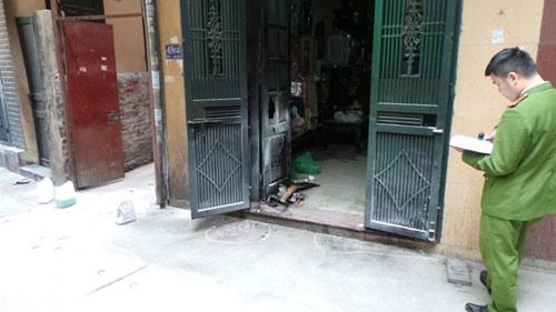 Hà Nội: Nửa đêm, 2 ngôi nhà bị phóng hoả - 1