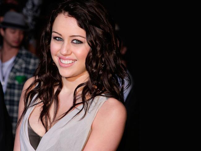 Thời gian này, cô bé đáng yêu Miley là cái tên ưa chuộng của mọi nhà.