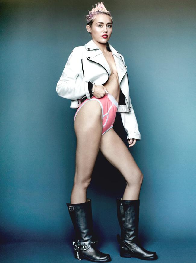 Cô cũng chụp hình cho tạp chí với một mức độ 'phá cách' tạo bạo