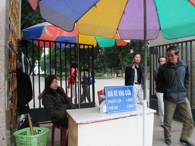 Hà Nội: Đề nghị không thu tiền vào công viên - 1