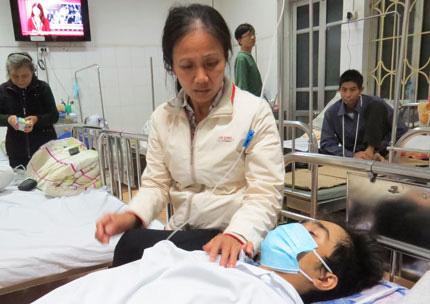 Chuyện đẫm nước mắt của người mẹ hiến thận cứu con - 1
