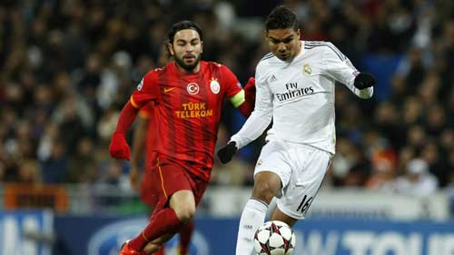 Real – Galatasaray: 10 người hay hơn 11 - 1