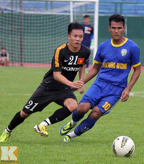 U23 VN: Mải chuyền bóng, quên dứt điểm - 1