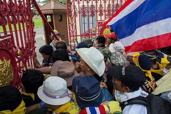 """Thái Lan: Sở chỉ huy quân đội bị """"đánh chiếm"""" - 1"""