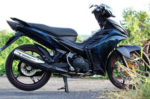 Yamaha Exciter với tem 3D hình rồng - 1