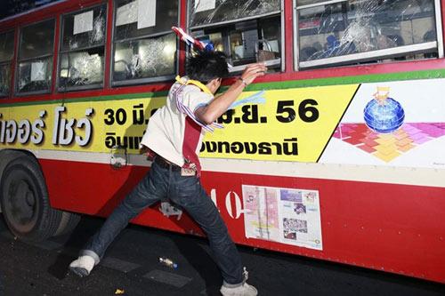 Thái Lan: Súng đã nổ gây chết người - 1