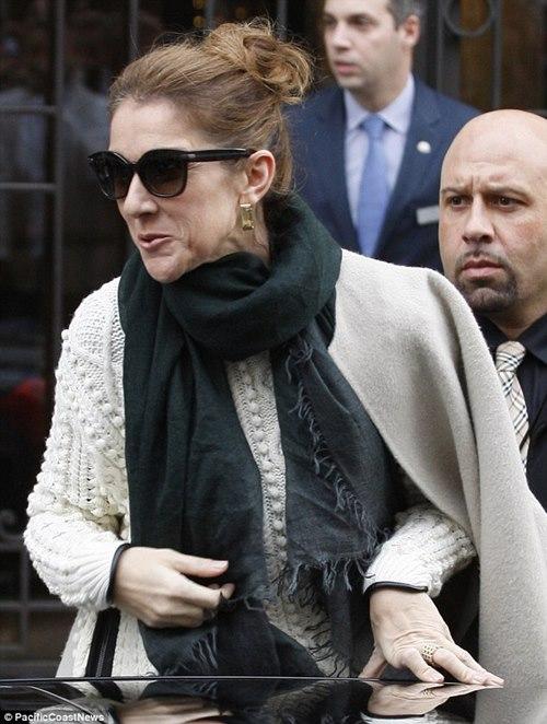 Celine Dion lộ mặt nhăn nhúm già nua - 1