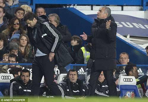 Mourinho muốn chiếm ngôi đầu của Arsenal - 1