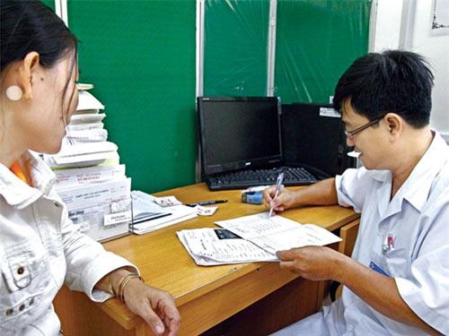 Cho phép bác sĩ kê đơn TPCN: Cần cân nhắc - 1