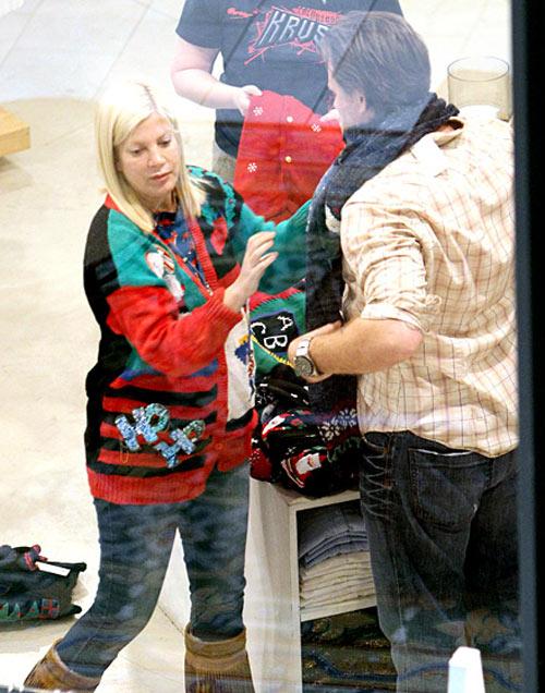 Áo len mùa Giáng sinh ngộ nghĩnh của sao - 1