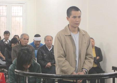 7 năm tù cho tài xế taxi hất người lên capô - 1