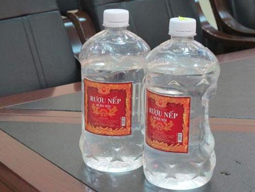 Tiêu hủy rượu nếp 29 Hà Nội gây ngộ độc chết người - 1
