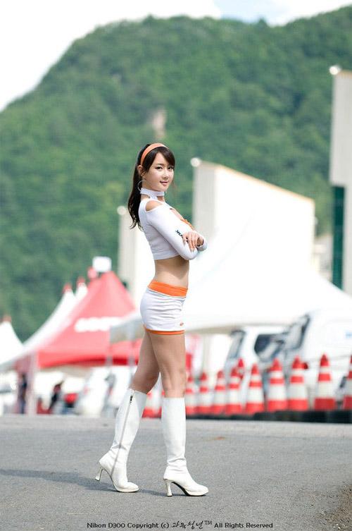 9 người mẫu ô tô nóng bỏng nhất xứ Hàn - 19