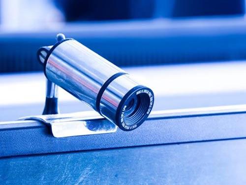 FBI bí mật theo dõi tội phạm qua webcam - 1