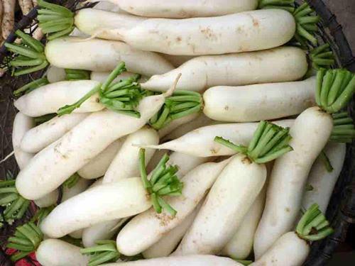 Phát hiện củ cải trắng, cà rốt, quýt nhiễm độc - 1
