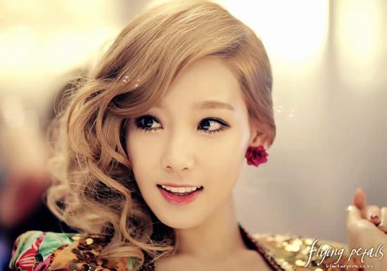Đẹp lung linh đêm noel như Kim Tae Yeon - 1