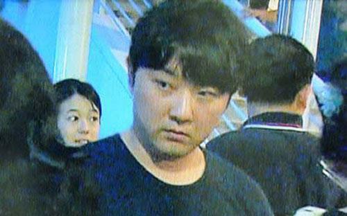 Anh trai Kim Jong-un tự mình dẫn quân đi bắt chú - 1