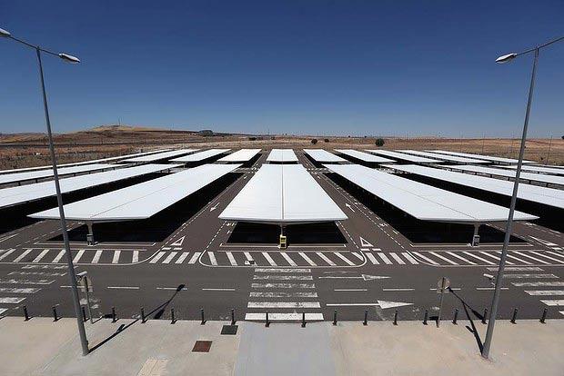 """Tây Ban Nha rao bán """"sân bay ma"""" khổng lồ - 1"""