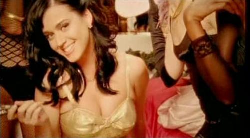 """""""Nóng"""" như Katy Perry trong MV ca nhạc - 1"""